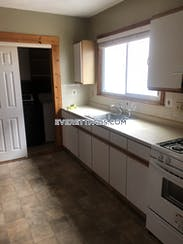 Everett Lovely 3 bed 1 bath apartment on Kenwood Road in Everett! Available now! - $2,500